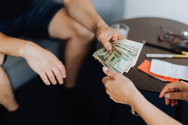 Tips to avoid discussions about money with your partner